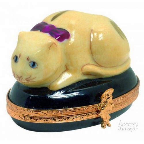 Artoria Chinese Cat Limoges Box