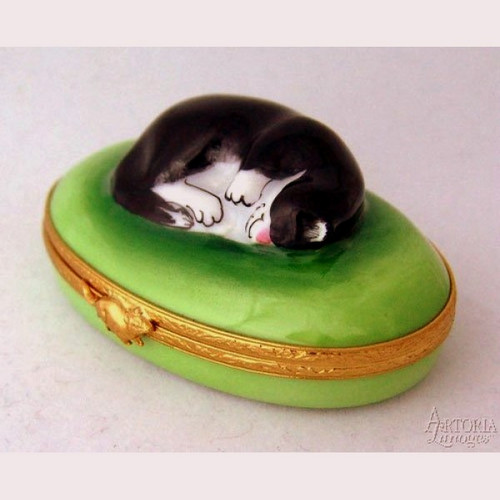 Artoria Sleeping Cat Limoges Box